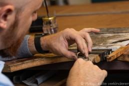 Juwelier aan het werk_Photo by Vivec.be